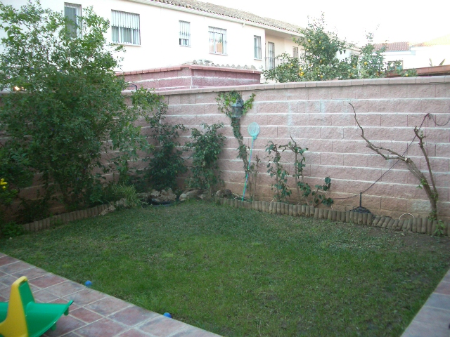 Como decorar el jardin de mi casa dise os for Como decorar el patio de mi casa