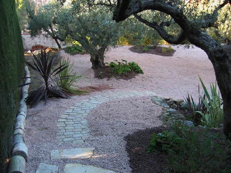 Dise ar un jard n de 150m2 sin c sped duro a base de Diseno de jardines pequenos sin cesped