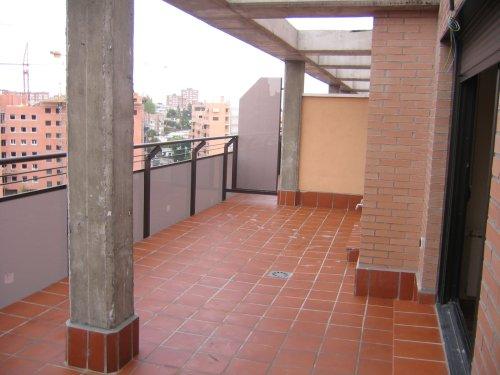 Decoraci n de terraza tico for Decoracion terraza piso bajo