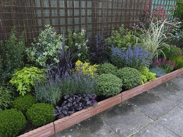 Arriates construcci n y decoraci n con plantas - Arriate jardin ...