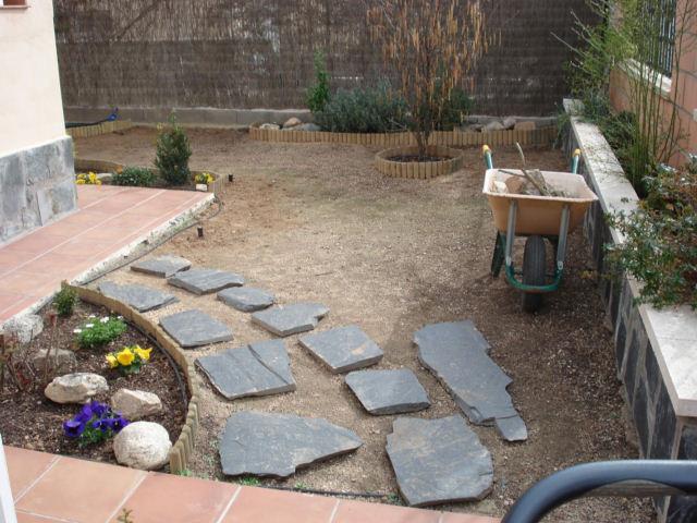 Bordes borduras y bordillos - Bordillos de plastico para jardin ...