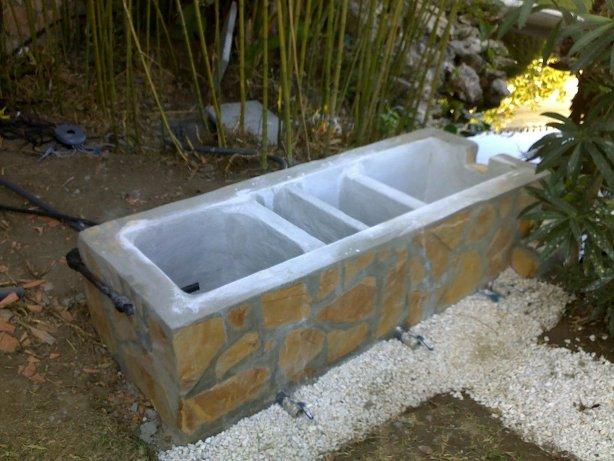 Filtro del estanque for Como hacer un estanque para peces koi