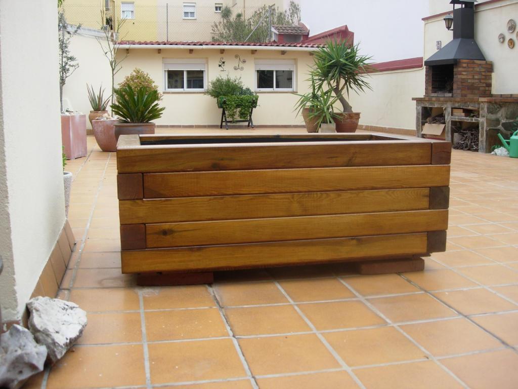 Jardineras de madera y palets c mo realizar una for Jardinera de madera vertical
