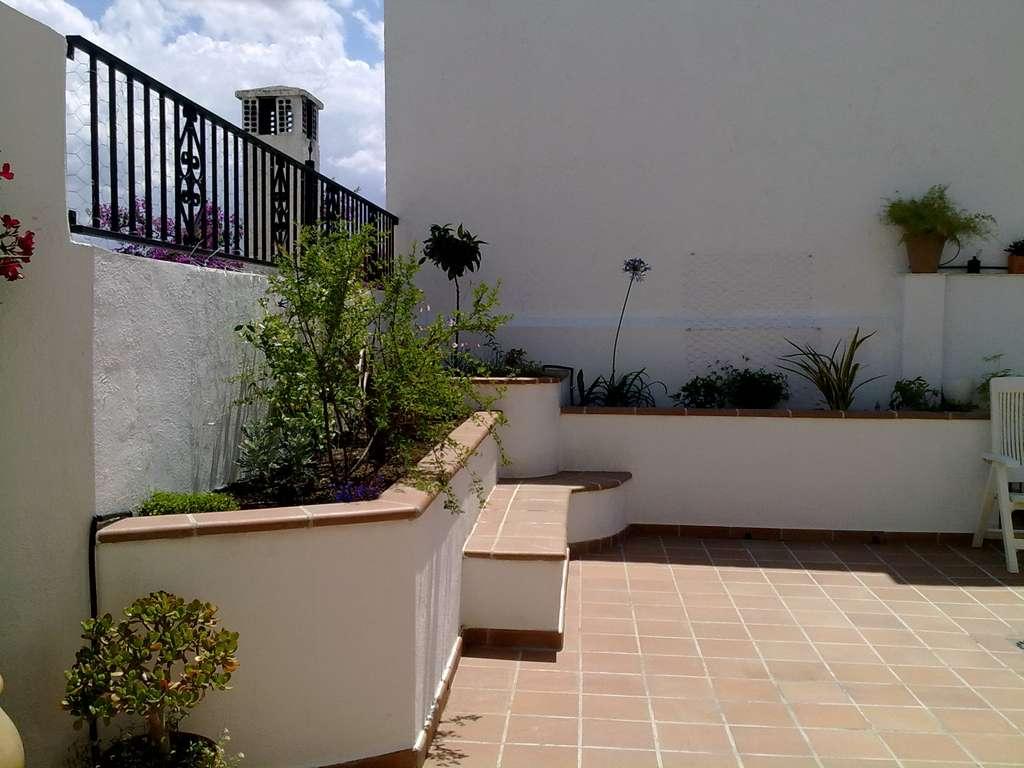 Jardinera de obra y ladrillos c mo construir for Jardineras con bloques